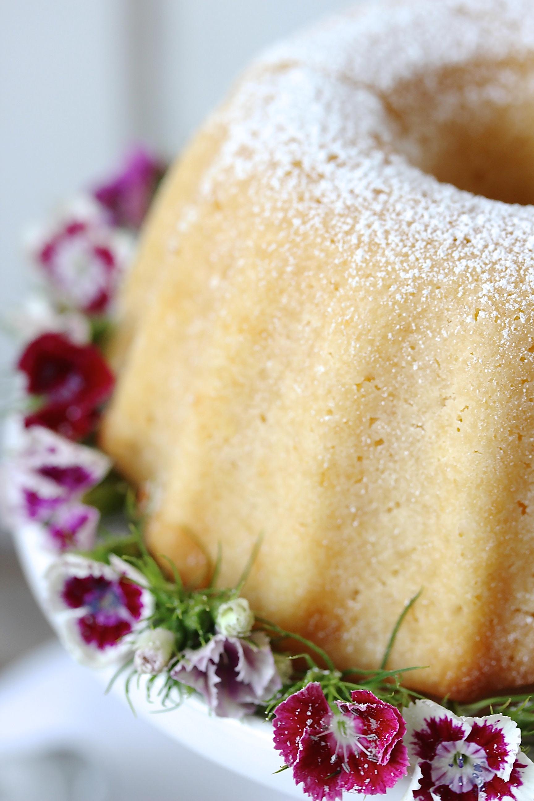 Rezept einfacher saftiger Apfel Gugelhupf backen Rührkuchen Herbst