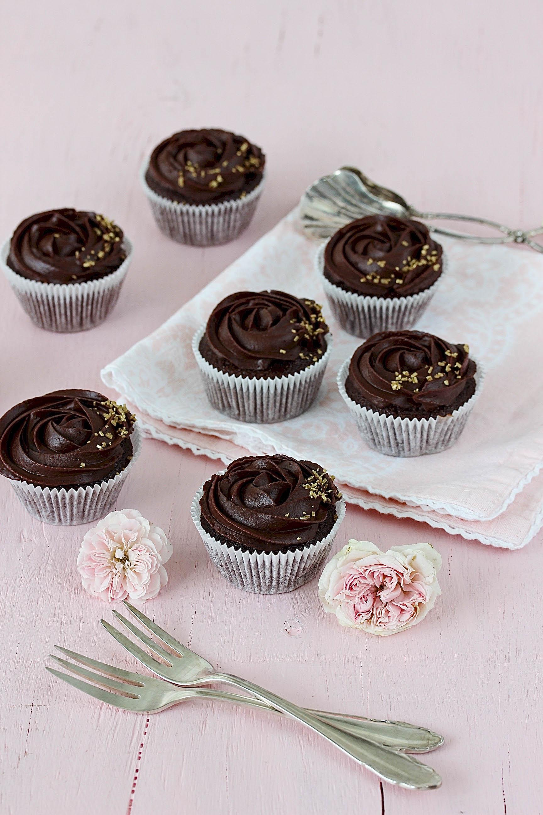 Schoko-Rosen-Cupcakes-4