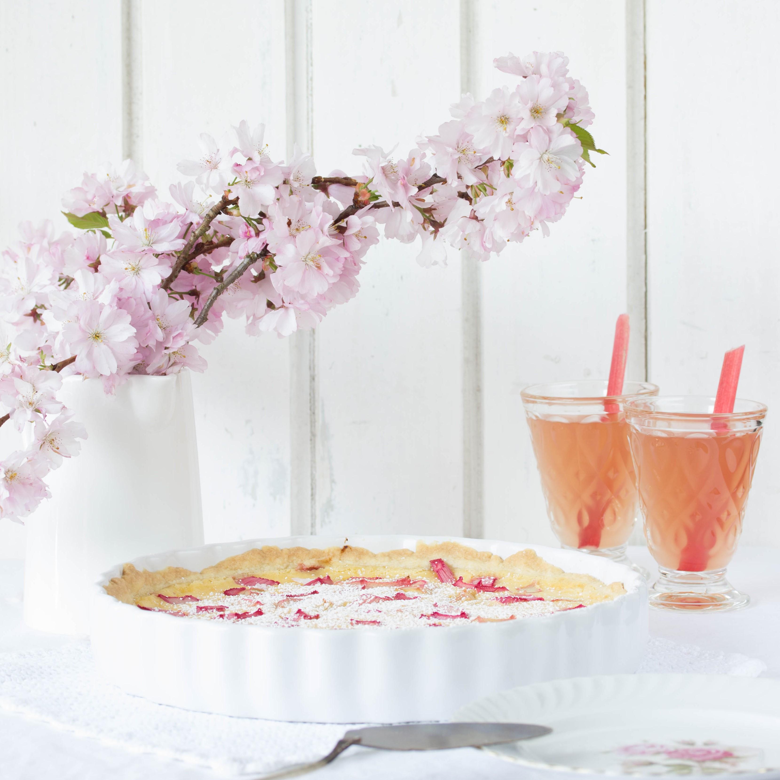 Einfaches Rhabarber Pudding Tarte Rezept backen Frühling #rhubarb #rhabarber #tarte | Emma´s Lieblingsstücke