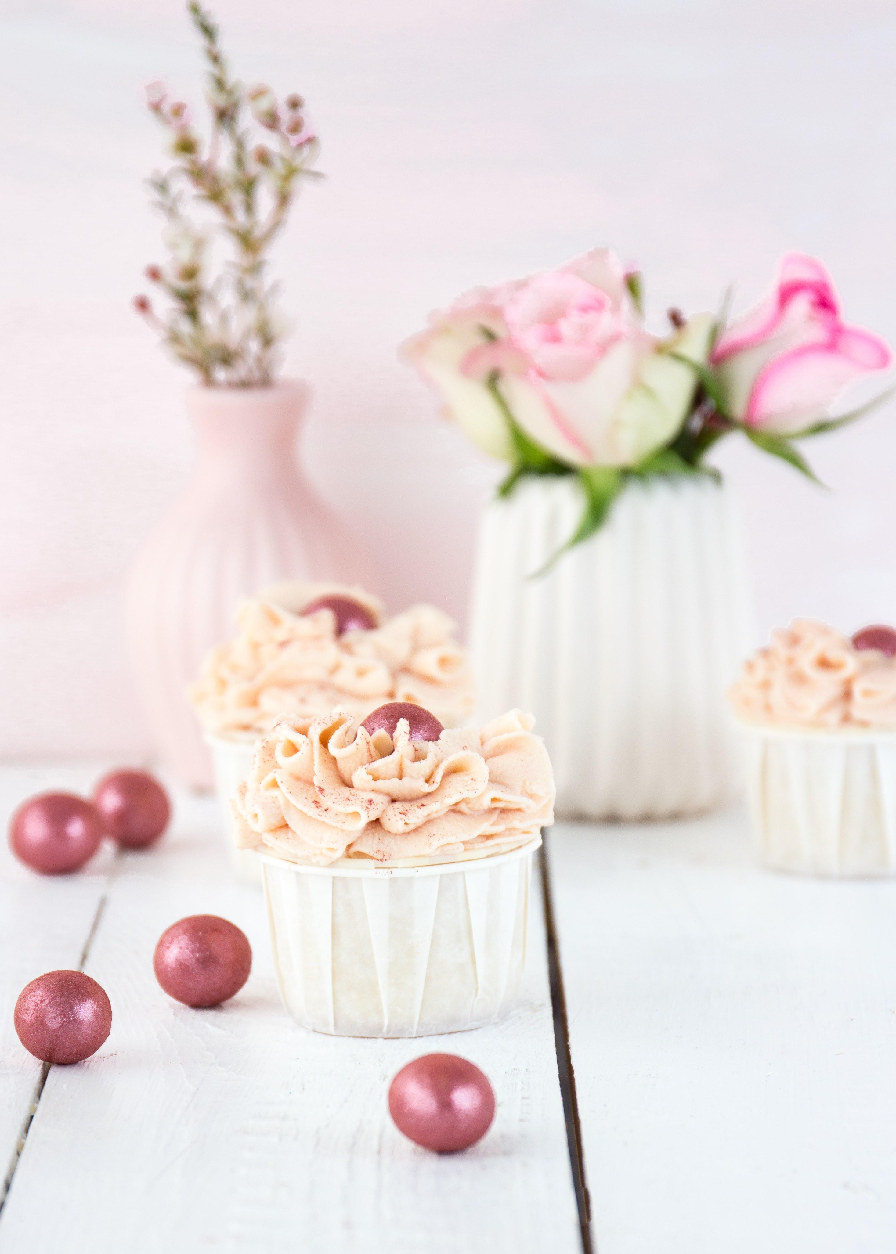 Apfel Himbeer Cupcakes Rezept backen Valentinstag #cupcakes #himbeeren #backen | Emma´s Lieblingsstücke