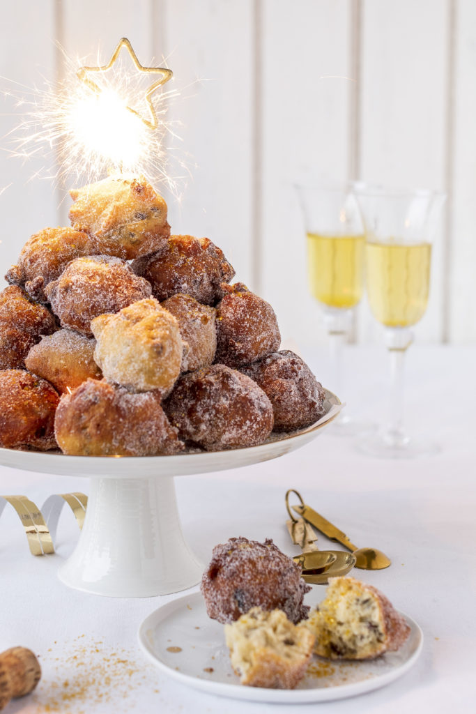 Neujahrs Rezept Krapfen Mutzen Kreppel Berliner Rosinen #Silvester #rosinen #newyearseve backen