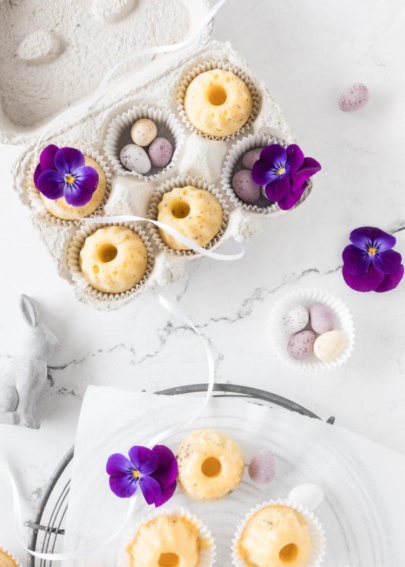 Saftige Maracuja Mini Gugel zu Ostern Rezept backen einfach lecker Gugelhupf Bundtcake easter treats #gugelhupf #minigugel #ostern #maracuja #easter #backen   Emma´s Lieblingsstücke