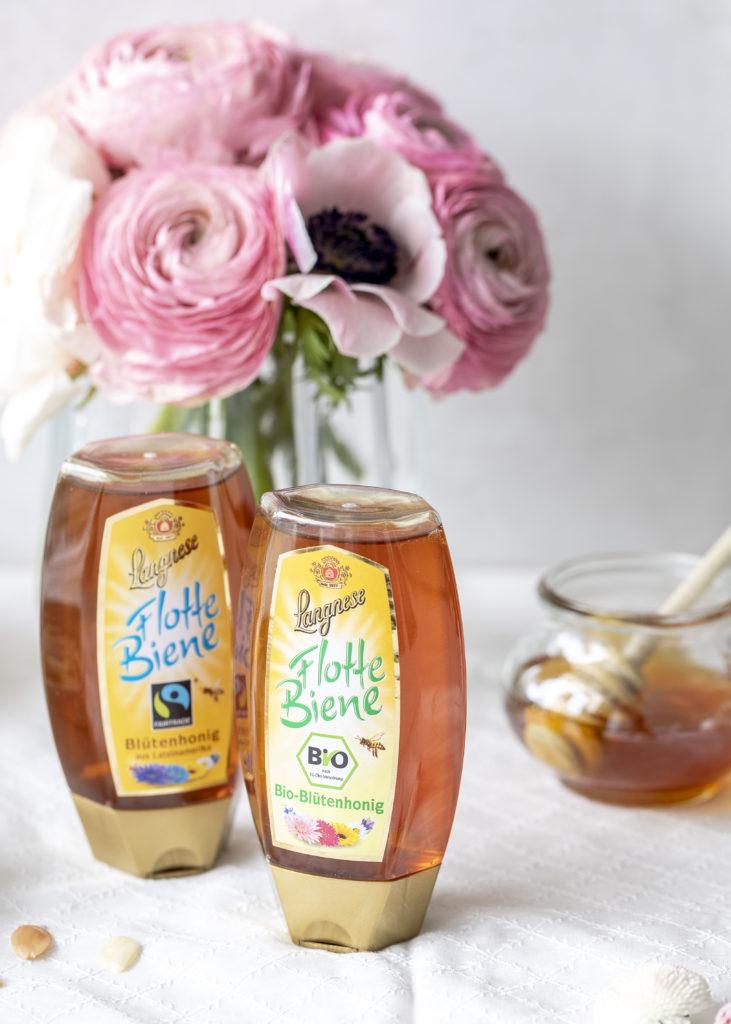 Himbeer Honig Torten Rezept á la Bienenstich backen Ostern Osterbrunch Vanillepudding #honig #ostern #backen #bienenstich #cake #torte | Emma´s Lieblingsstücke