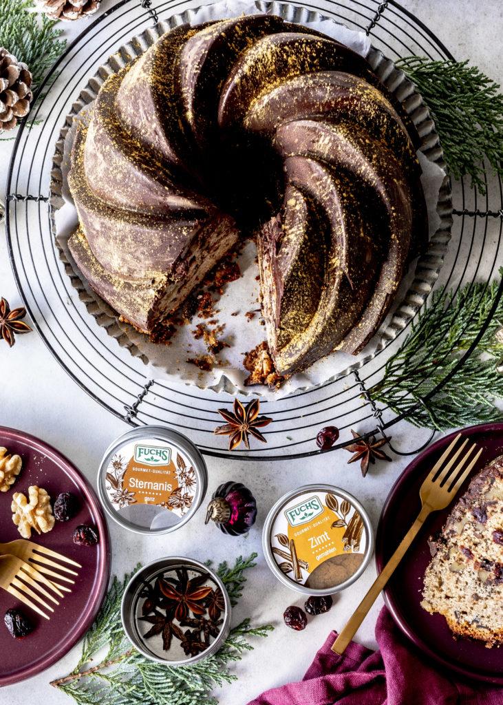 Gewürz Gugelhupf Rezept mit Walnüssen Zimt Cranberries und Schokolade backen perfekt für Weihnachten und Advent #gugelhupf #bundtcake #christmas #weihnachten #advent #backen #kuchen #nüsse Emma´s Lieblingsstücke