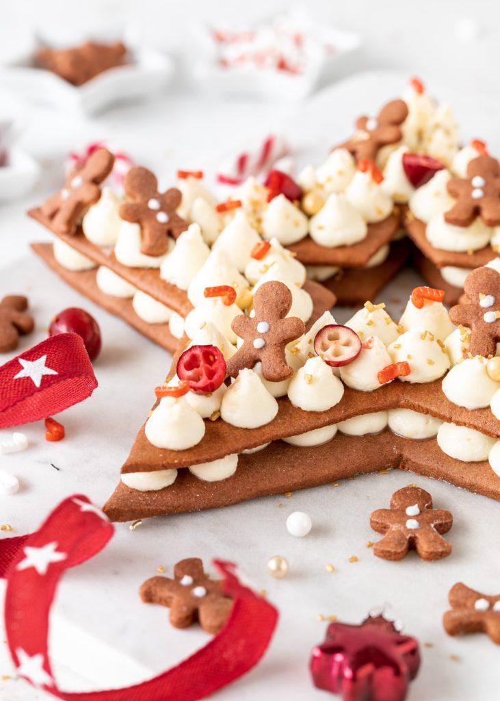 Gingerbread Cream Tart zu Weihnachten backen. Lebkuchen Stern mit weiß Schokoladen Creme. Emmas Lieblingsstücke