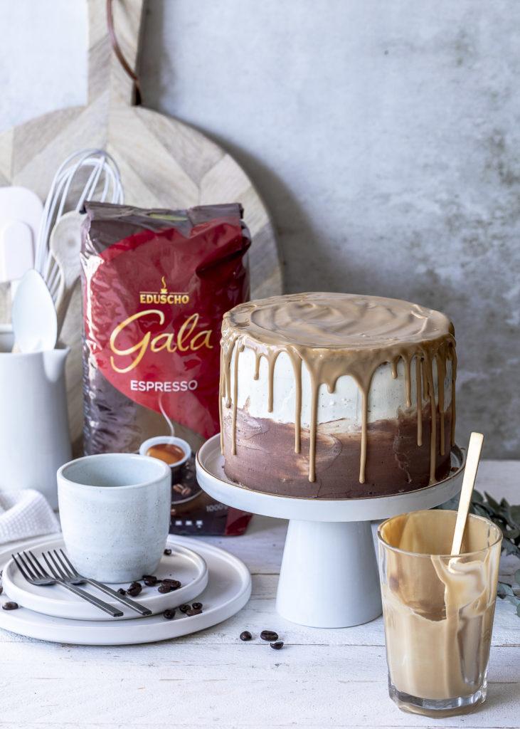 Kaffee Karamell Drip Cake Rezept backen mit Schokolade Espresso und Karamell und Baiser Geburtstagstorte #dripcake #caramel #torte #cake #karamell #birthdaycake Emma´s Lieblingsstücke