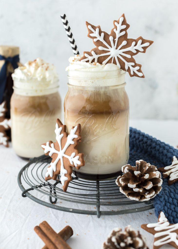 Gingerbread-Latte Macchiato, Sirup und Plätzchen backen. Weihnachten. Advent. Lebkuchen. Kaffee. Emmas Lieblingsstücke