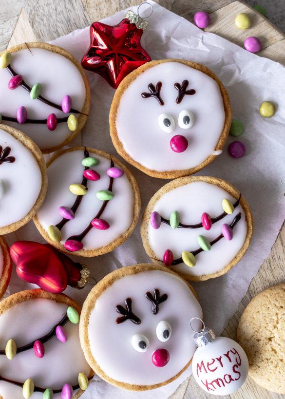 Einfaches Rezept für Weihnachtliche Amerikaner im Rentier und Lichterketten Look backen Christmas Weihnachten Xmas #amerikaner #weihnachten #backen #christmasbaking Emma´s Lieblingsstücke