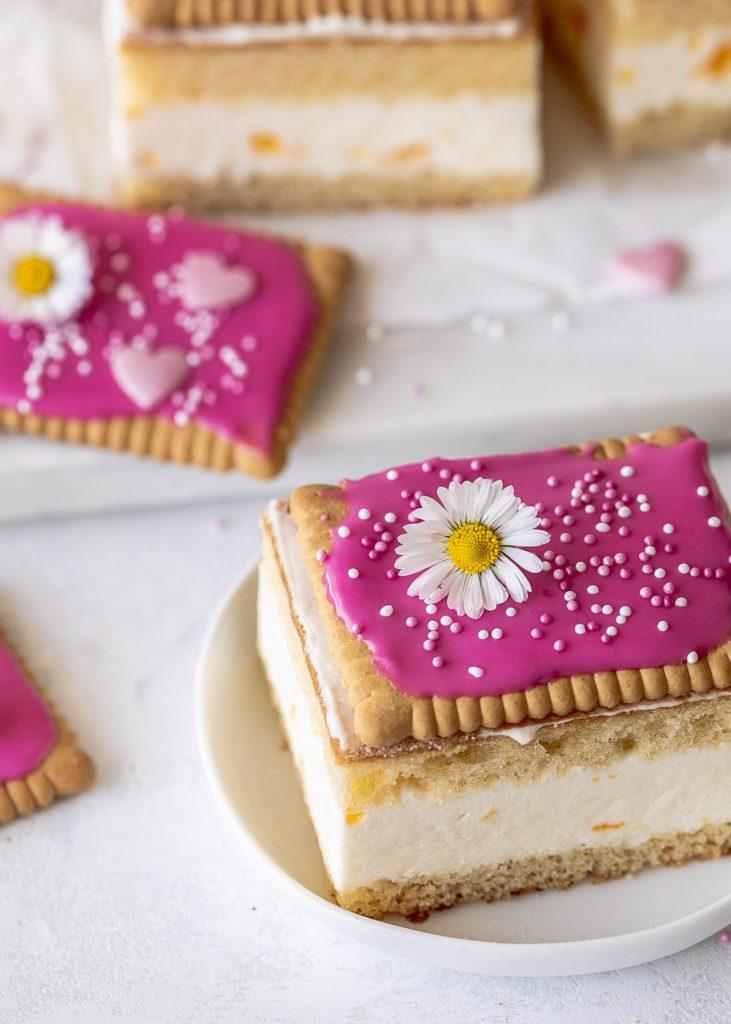 DIY: Käse Sahne Schnitten mit Butterkeksen zum Muttertag pimpen #muttertag #mothersday #butterkeks Emmas Lieblingsstücke