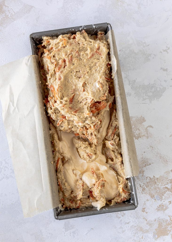 Carrot Cake mit Cheesecake Füllung backen Möhrenkuchen Karottenkuchen Kastenkuchen Ostern Käsekuchen Emmas Lieblingsstück
