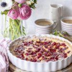Rhabarber Pudding Tarte - Ein einfaches Rezept mit selbst gemachtem Pudding #lecker #tarte #pudding #rhubarb Emmas Lieblingsstücke
