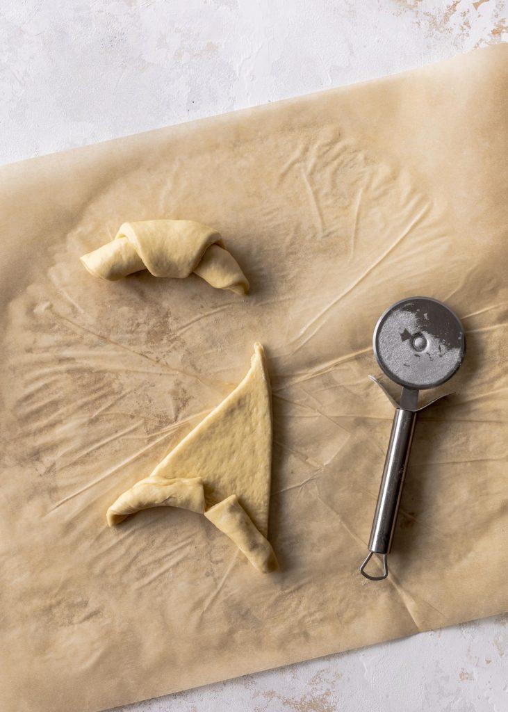 Fluffige Butterhörnchen mit Haselnusscreme backen Hefeteig Rezept für ein perfektes Frühstück #StarteDenTagZart #Milka #MilkaHaselnusscreme Emmas Lieblingsstücke