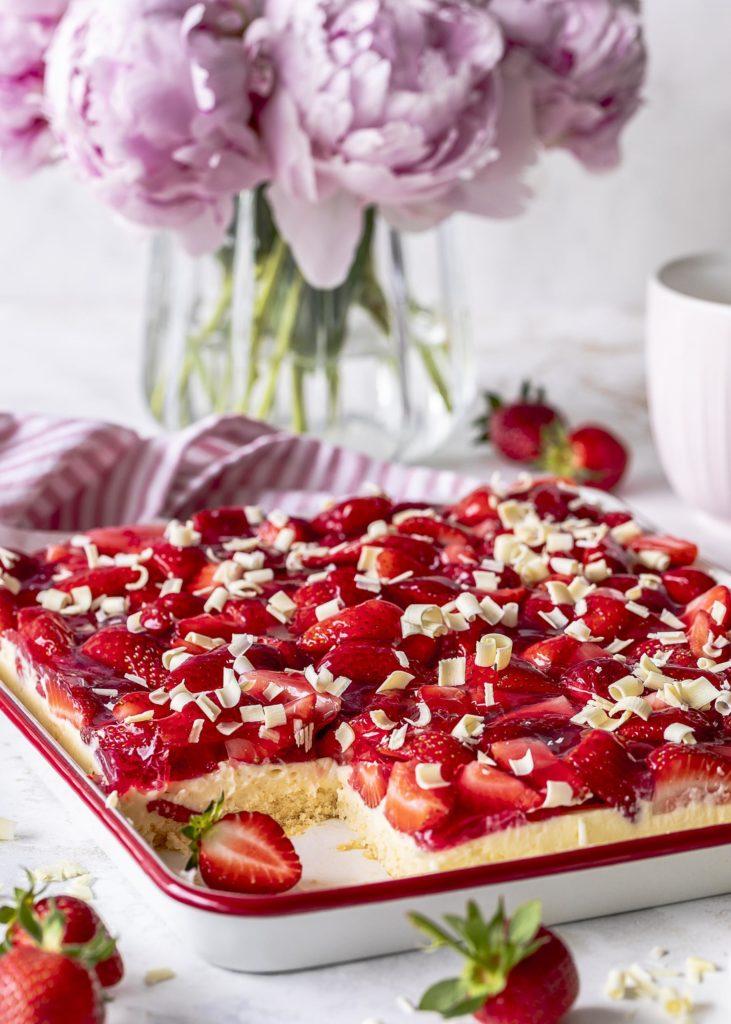 Erdbeer Vanille Blechkuchen mit weißer Schokolade backen Emma´s Lieblingsstücke