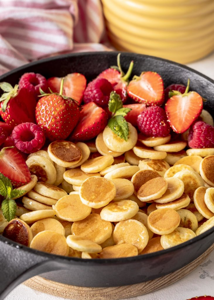 Fluffige Joghurt Pancake Cereals Rezept für Mini Pancakes eayspeasy Pfannkuchen #pancakes #cereals Emmas Lieblingsstücke