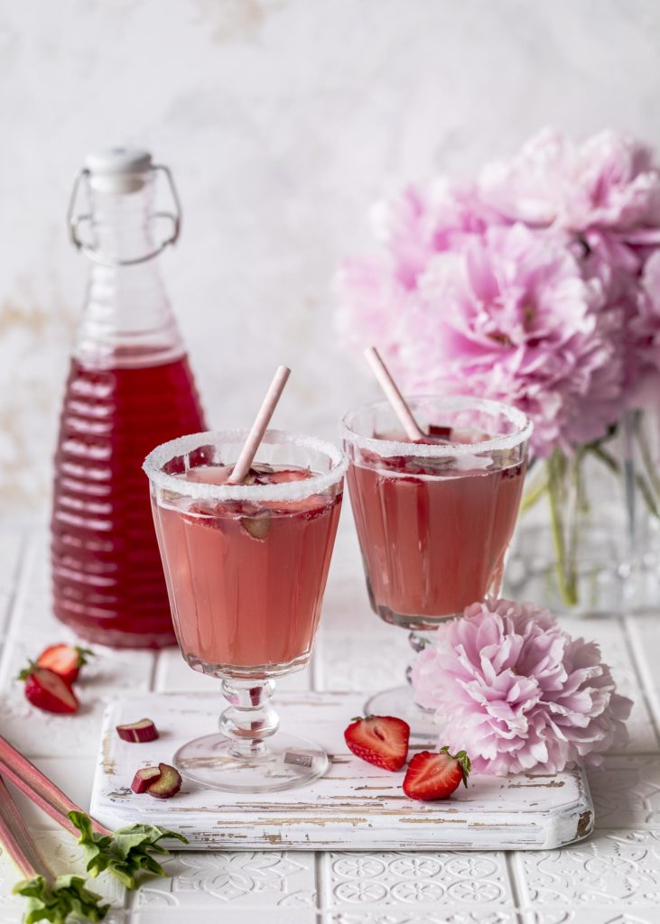 Erdbeer Rhabarber Sirup Rezept selber machen Einkochen Getränk Sommerdrink Rhabarberschorle Emmas Lieblingsstücke