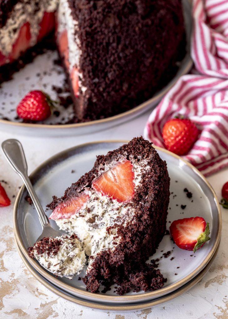 Maulwurfkuchen mit Erdbeeren Kuchenklassiker backen Schokoladenkuchen Emmas Lieblingsstücke
