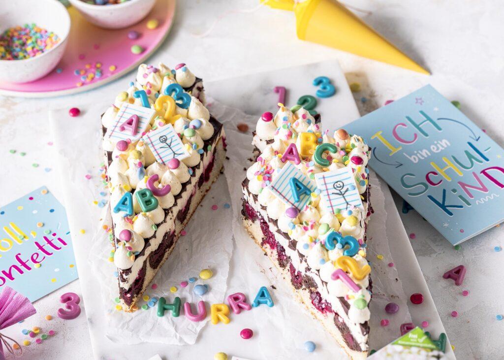Schultüte zur Einschulung dekorieren. Im Lettercake Style. Ganz einfach selber machen. #einschulung #lettercake #torte #schultüte Emmas Lieblingsstücke