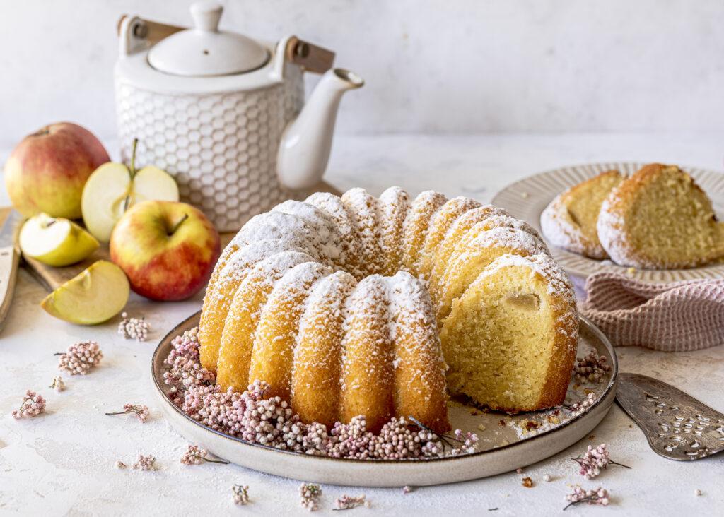 Saftiger Apfel Gugelhupf selber backen. Ein einfaches Rezept. Saftig, lecker, Soulfood pur. Emmas Lieblingsstücke