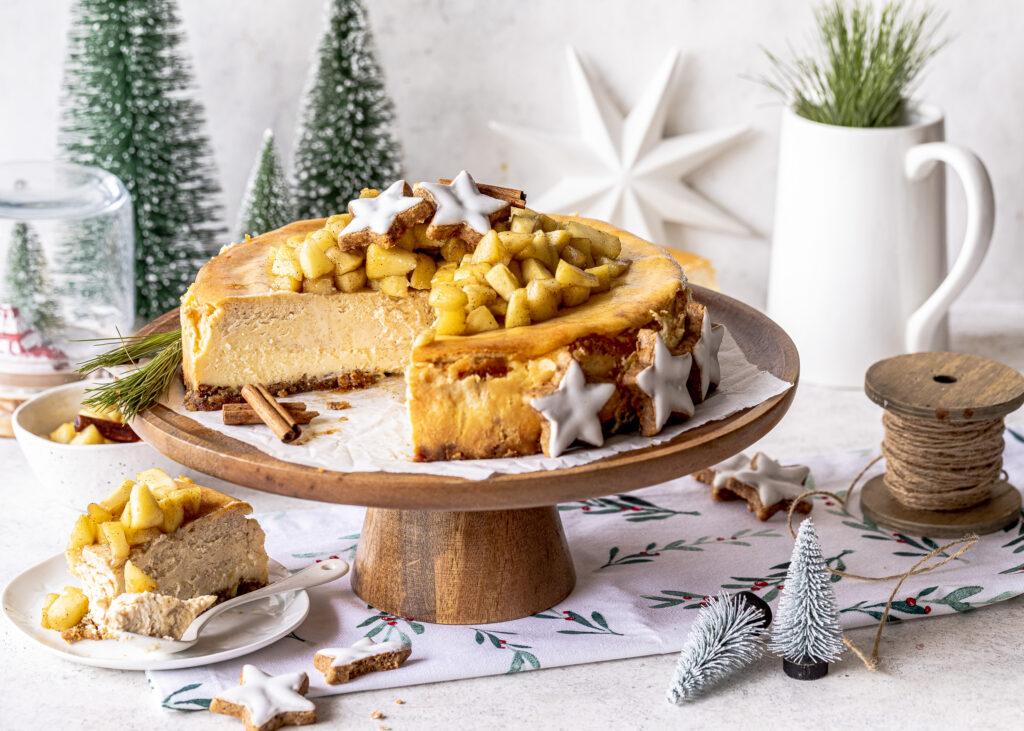 Zimt-Käsekuchen mit Eierlikör und Bratapfel-Topping backen. Emmas Lieblingcsstuecke